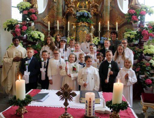 17 Kinder in Maria Hilf erstmals am Tisch des Herrn