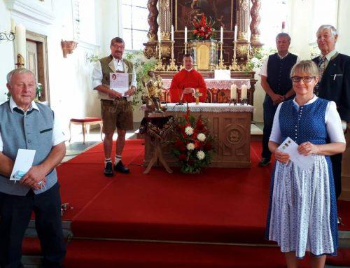 Langjährige Sänger vom Kirchenchor Zell geehrt, Hummls Albert seit 55 Jahren dabei