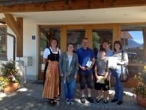 Gästeehrung am 23.8.2016, 60. Aufenthalt von Fam. Laufer bei Nigg Rosi.