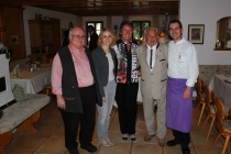 Gästeehrung am 23.09.2015, 100. Aufenthalt von Prof. Dr. Jürgen Milnik mit Ehefrau Christa im Landhotel Gokelwirt.